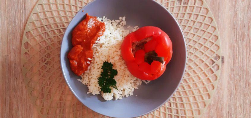 Gefüllte Paprika mit Reis & Soße